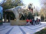 2012-02-21 - Dia de Carnaval - Junto ao dinossauro, no Palácio de Cristal