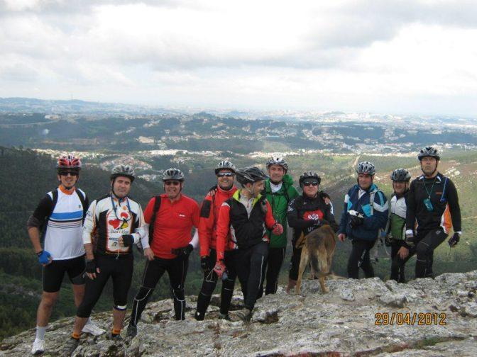 ... a foto de grupo no alto de Pias ...