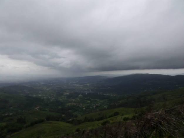 ...a Tempestade aproxima-se rapidamente...