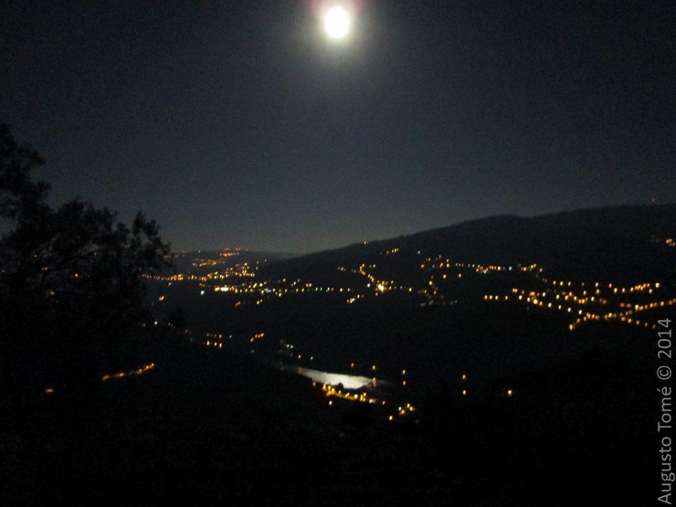 Mesão Frio, by night.